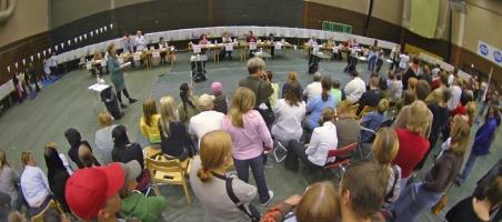 photo 021283 . the panel . 2005-10-02