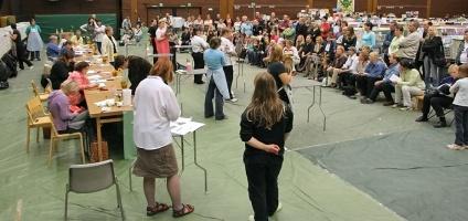photo 048081 . the panel . 2006-10-01
