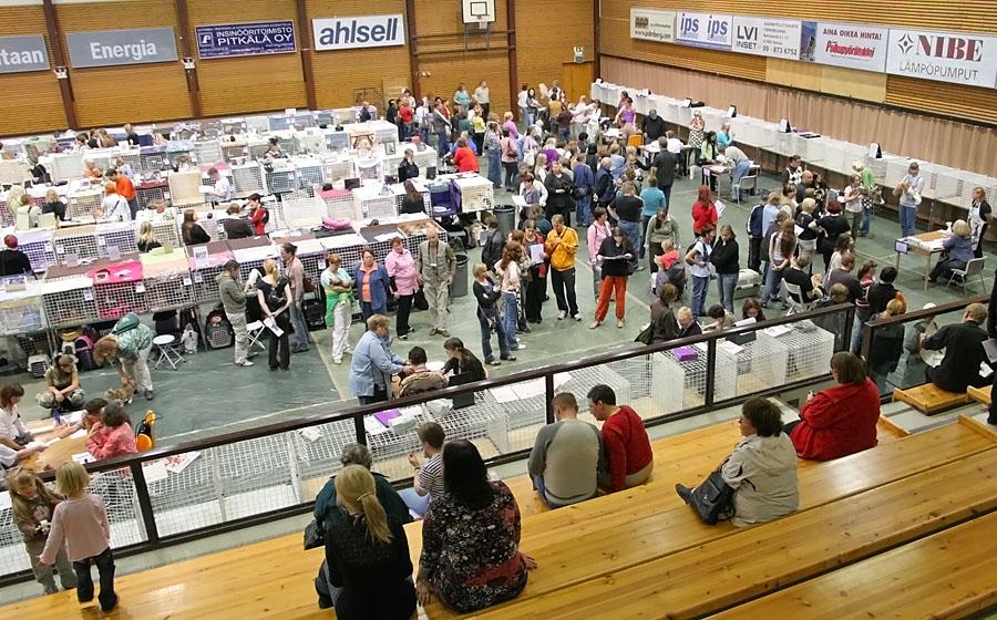 yleiskuvaa näyttelypaikalta, kuva 049222, 7.10.2006