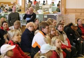 kuva 051076 . yleisö valmiina . 15.10.2006