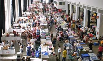 kuva 071140 . yleiskuvaa näyttelypaikalta . 28.7.2007