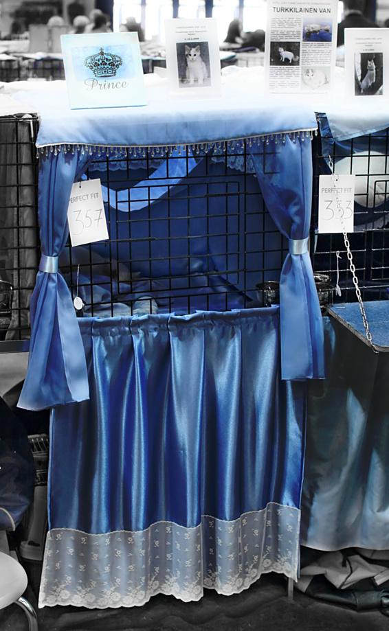 Ilveslinnan Amir Akanyildiz (Miro) [TUV d 62] vaaleansiniset häkkiverhot, kuva 092121, 27.4.2008