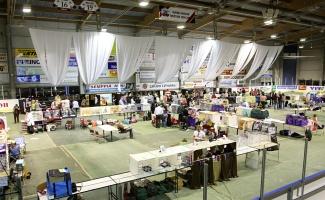 kuva 093099 . yleiskuvaa näyttelypaikalta . 3.5.2008