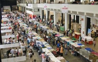 kuva 100082 . yleiskuvaa näyttelypaikalta . 3.8.2008