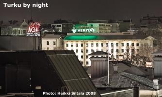 kuva 115240 . bonuskuva Bonuskuva: Turku yöllä (näkymä hotellihuoneen ikkunasta) . 23.11.2008