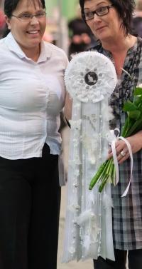photo 172065 . the white rosette . 2011-04-23