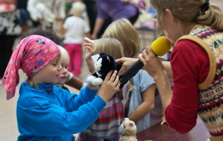 photo 179107 . the toy cat contest . 2011-09-10