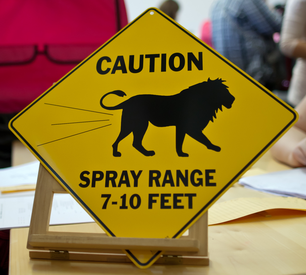 Caution: spray range 7-10 feet, kuva 180083, 17.9.2011